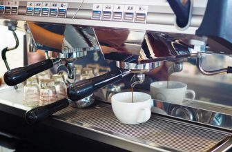 Manual Versus Automatic Coffee Machine- The Pros and Cons