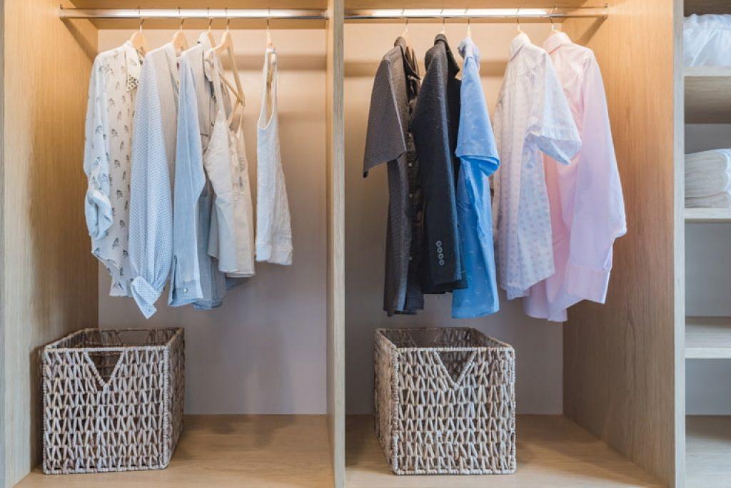 choose older suitcases for storage