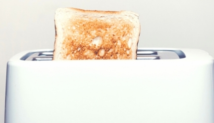 Cleaning Your Toaster In 4 Easy Steps